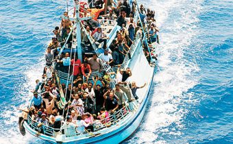 584_barcone_migranti_N