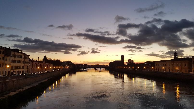 Pisa tramonto ponte Solferino