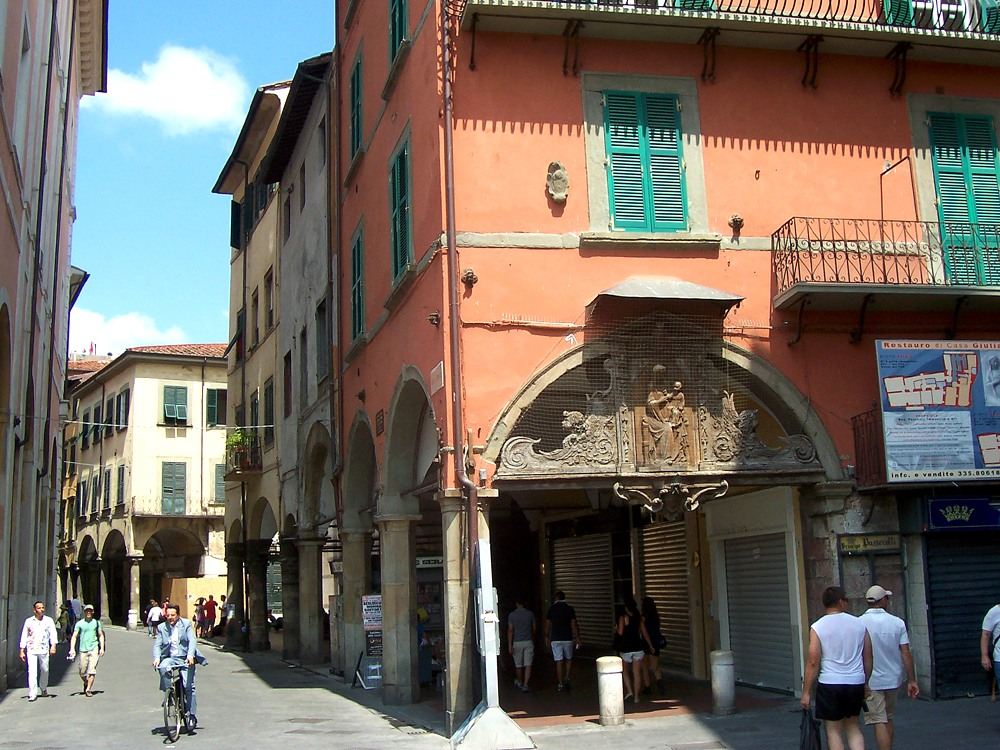 Piazza Garibaldi-Borgo