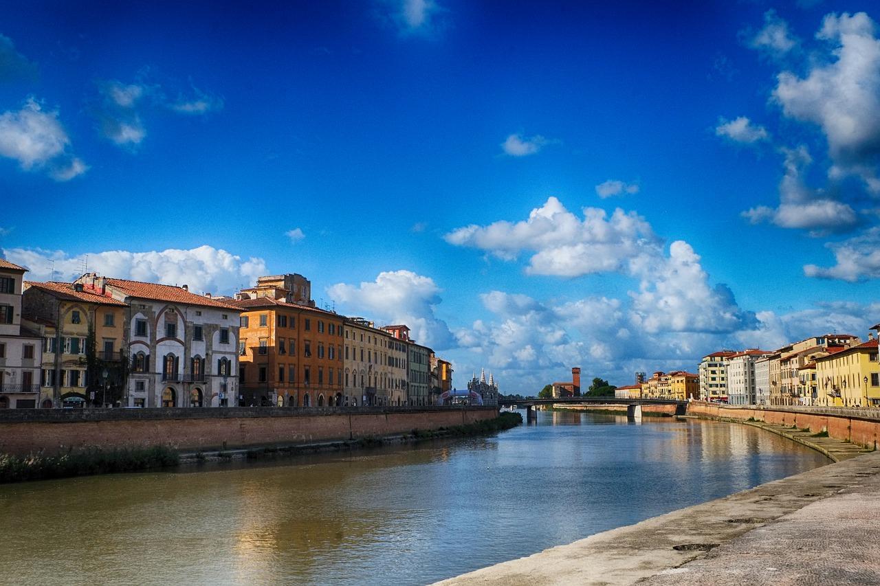 Pisa lungarni Cittadella sfondo